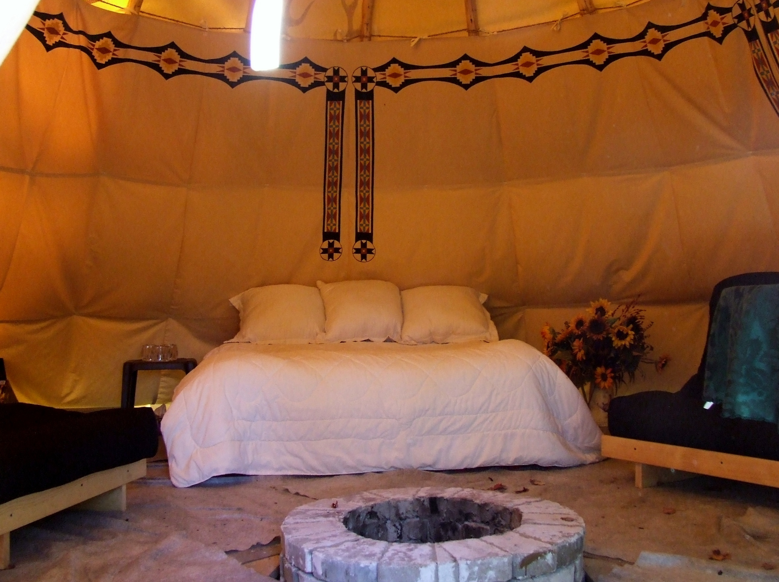 Tipi Size 20ft 9ft Liner Inside With Double Bed